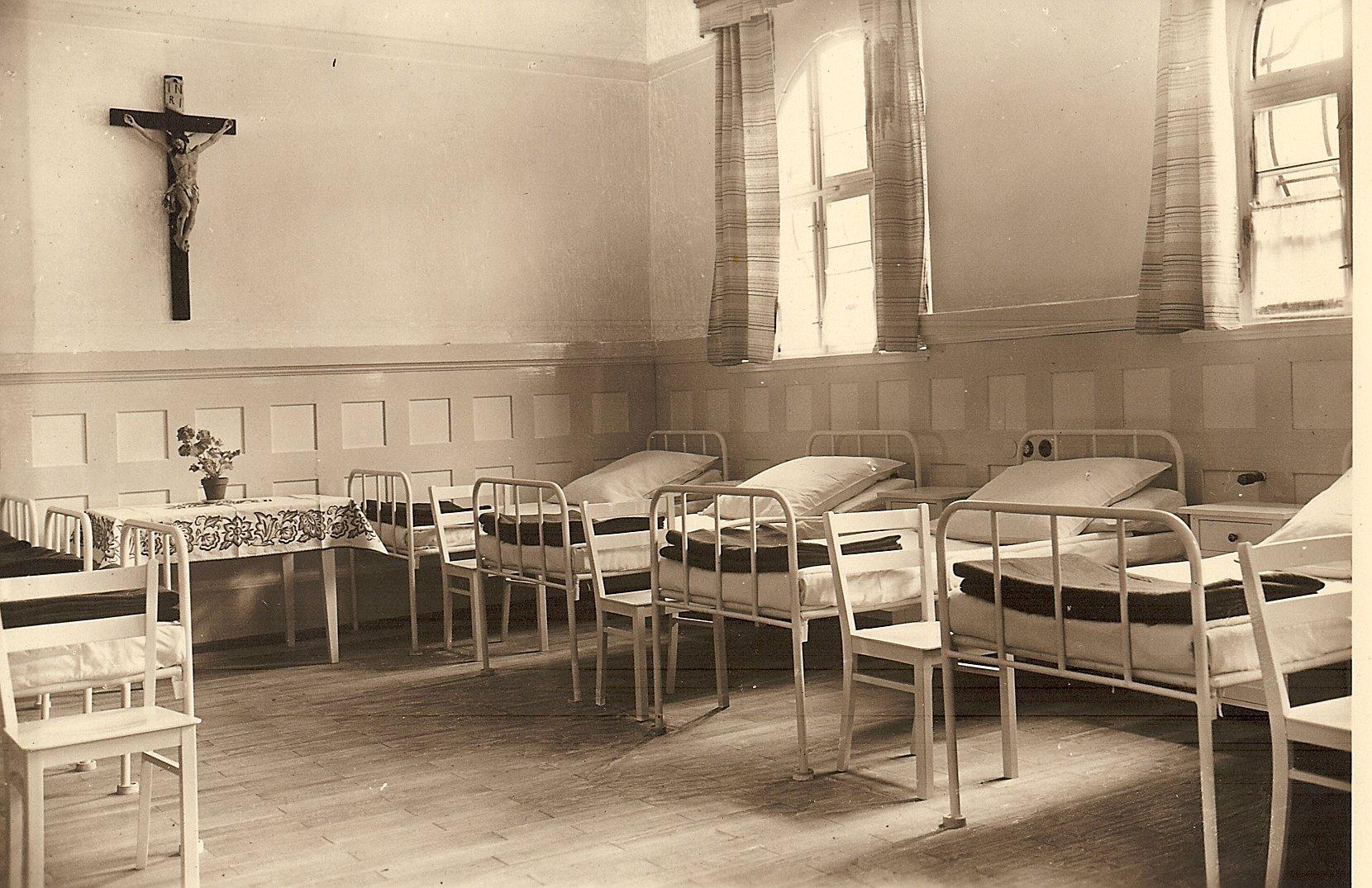8 Krankenzimmer Krankenhaus